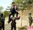 首批游客黑名单公布 骂空姐、爬红军雕像上榜